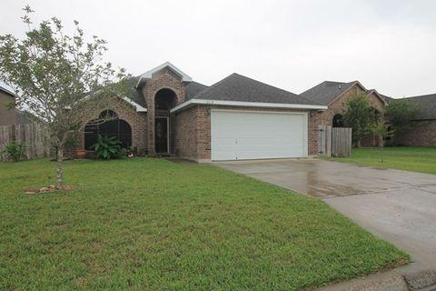 2105 Brook Ln Kingsville TX 78363