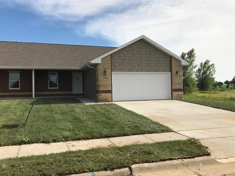 6343 Pawnee Ln, Dubuque, IA 52002