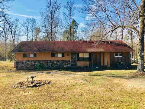 2248 Joe Dillon Rd, Michie, TN 38357
