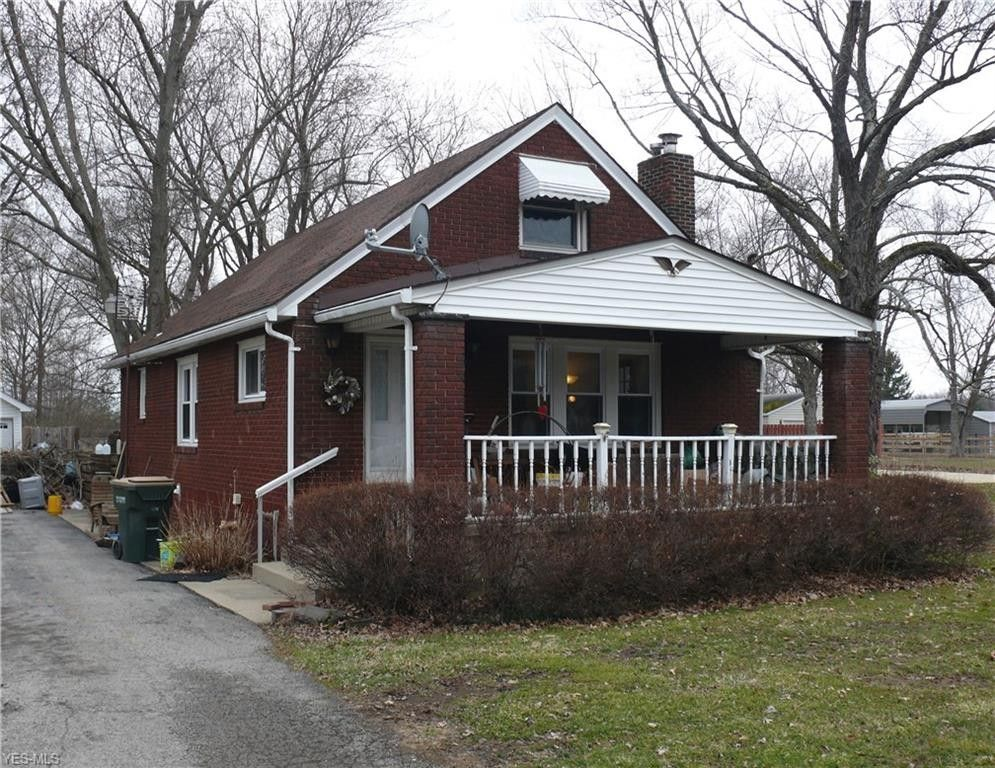 2762 S Canfield Niles Rd, Youngstown, OH 44515