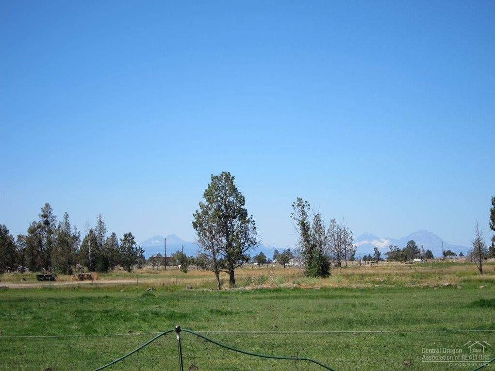 22750 Nelson Rd, Bend, OR 97701