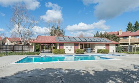 154 Park Place Dr, Petaluma, CA 94954