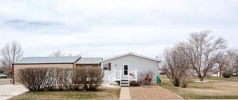 105 5th St Sw, South Heart, ND 58655