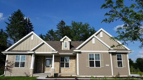 10750 N Firefly Ct, Mequon, WI 53097