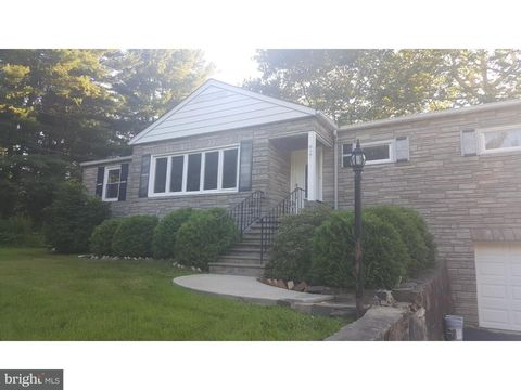 27 Hillcrest Rd, Warren Twp, NJ 07059