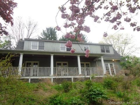 Photo of 14 Gallows Hill Rd, Redding, CT 06896