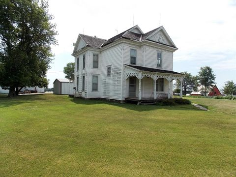 Photo of 32550 W4 Rd, Whiting, KS 66552