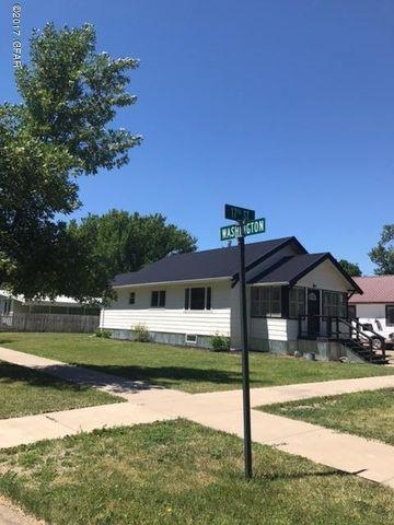 1100 17th St, Fort Benton, MT 59442