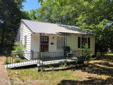 Photo of 301 Morrison St, Shelby, NC 28152
