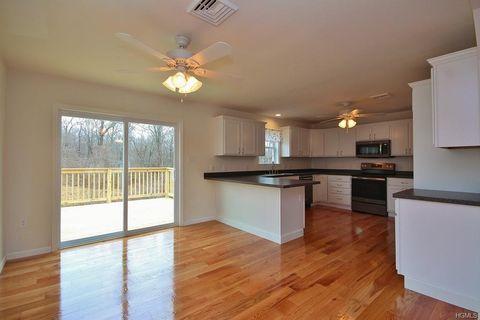 758 Gardnertown Rd, Newburgh, NY 12550