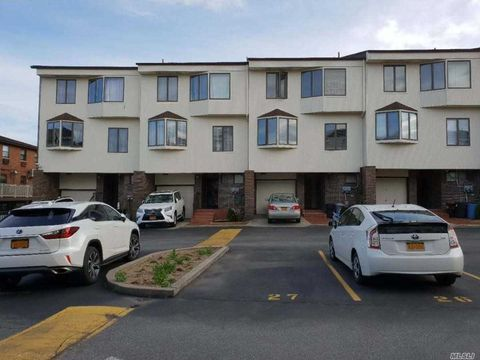 Photo of 120-26 Riviera Ct Unit 25 A, College Point, NY 11356