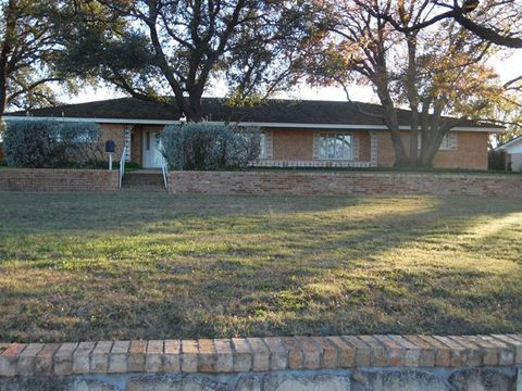 Photo of 2012 Towle Park Rd, Snyder, TX 79549