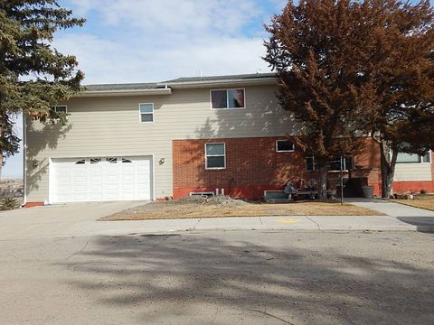Photo of 122 10th Ave S, Shelby, MT 59474