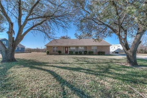 1707 13th St, Bridgeport, TX 76426