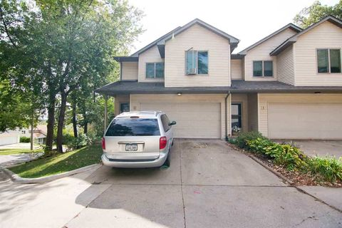 Photo of 936 23rd Ave Apt J, Coralville, IA 52241