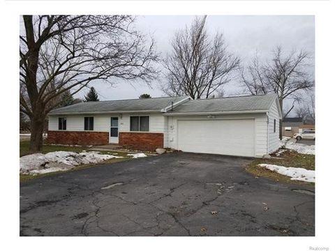 260 W Drahner Rd, Oxford Township, MI 48371