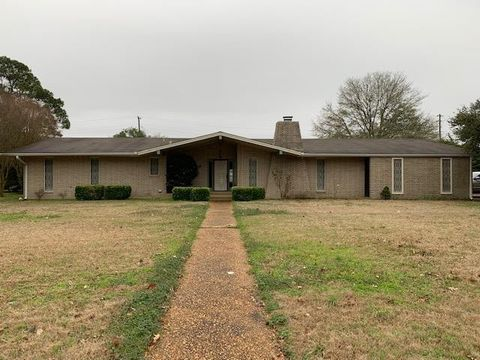 36 Abide Dr, Greenville, MS 38701