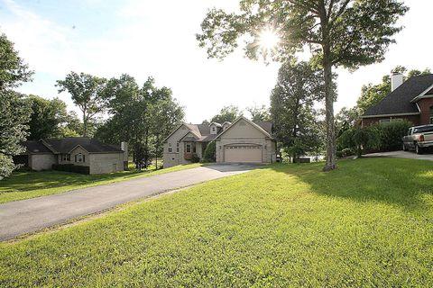 Photo of 561 E Deer Creek Dr, Crossville, TN 38571