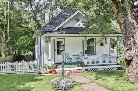538 S Crescent Ave, Independence, MO 64053