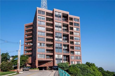 Photo of 1700 Grandview Ave Apt 402, Pittsburgh, PA 15211