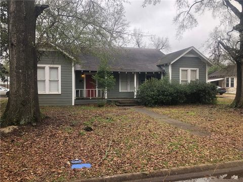 Photo of 400 Henry Ave, Natchitoches, LA 71457