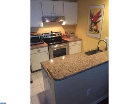 81 Driftwood Ct, Absecon City, NJ 08205