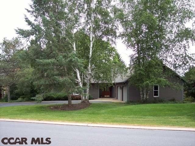 1009 greenbriar dr state college pa 16801 for Home builders state college pa
