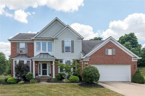 150 Hartford Ct, Broadview Heights, OH 44147