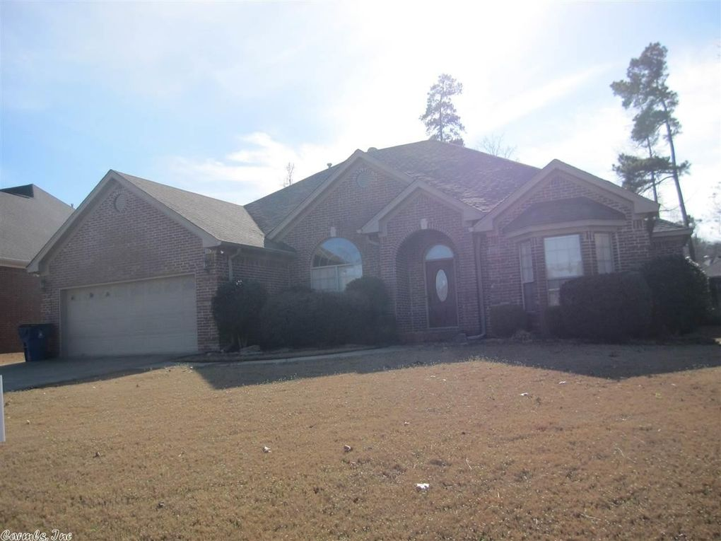 106 Mountain Valley Dr, Maumelle, AR 72113