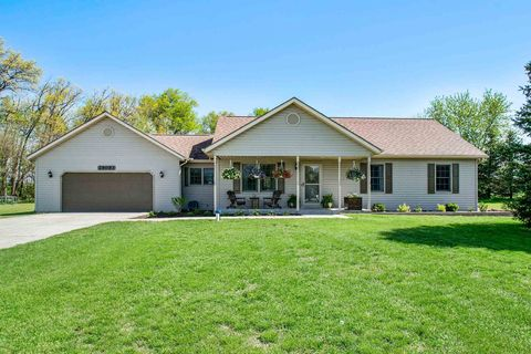 Photo of 29093 Sutton Ln, Elkhart, IN 46517
