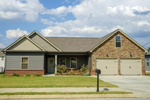 100 Franklin Cir, Fort Oglethorpe, GA 30742