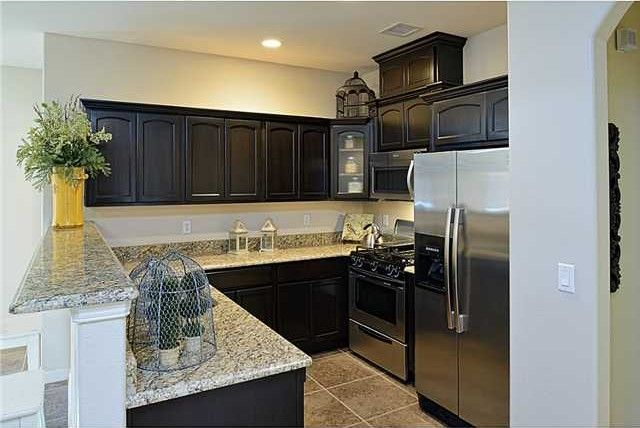 14856 willie worsley ave el paso tx 79938 for Kitchen cabinets el paso tx