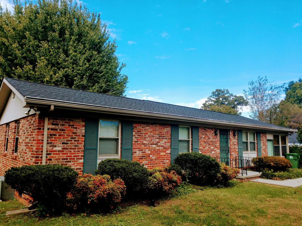 203 Bobwhite Cir, Maryville, TN 37803