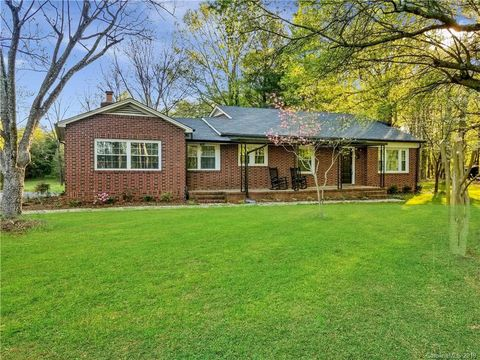 Photo of 7120 Sherrills Ford Rd, Sherrills Ford, NC 28673