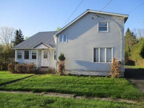 Photo of 15 Grove St, North Lawrence, NY 12967