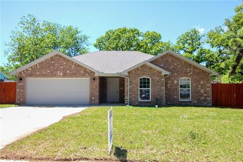 Photo of 5324 Flamingo Rd, Fort Worth, TX 76119