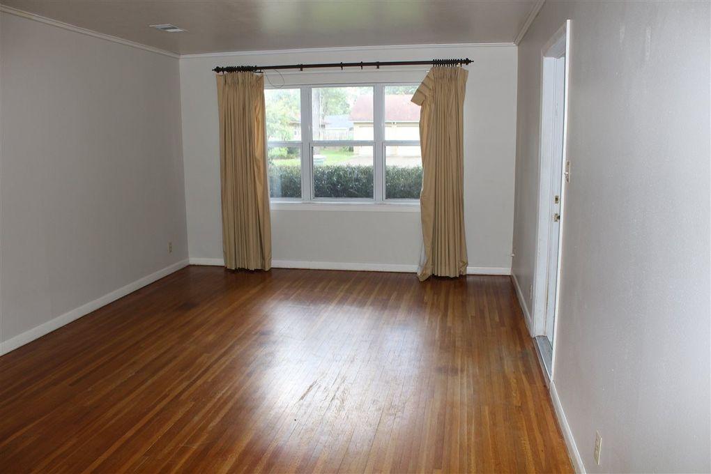 4715 ebonwood ln beaumont tx 77706 for Q furniture beaumont texas