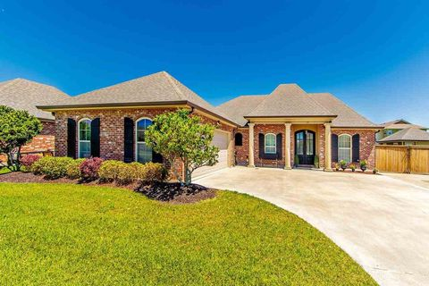 Photo of 181 Port Royal Way, Houma, LA 70360