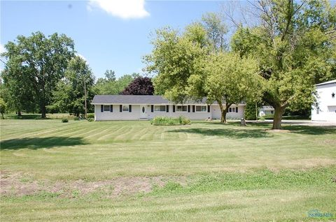 Photo of 420 Donovan Rd, Curtice, OH 43412