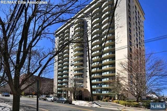 125 Prospect Ave Ph B, Hackensack, NJ 07601