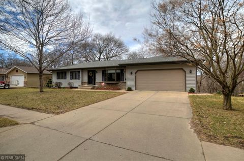 Photo of 1676 Siewert St, Red Wing, MN 55066
