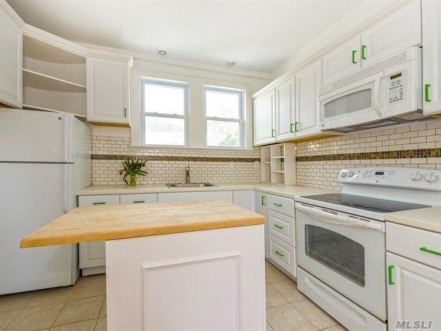 213 Melville Rd, Huntington Station, NY 11746
