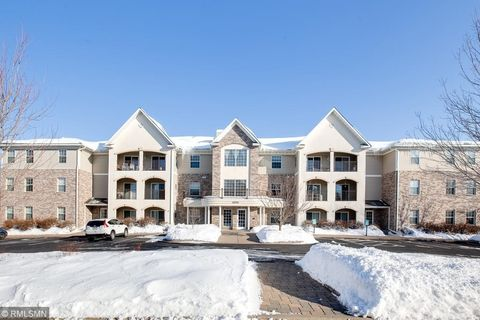 Photo of 15570 Linnet St Nw Unit 2-105, Andover, MN 55304
