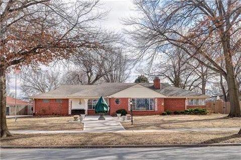 3915 Gladstone Blvd, Kansas City, MO 64123