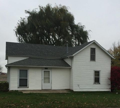 410 5th St Sw, State Center, IA 50247