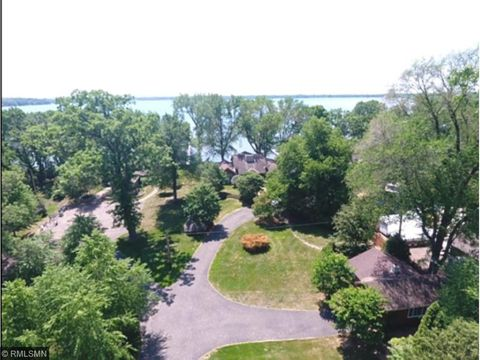 Surprising Waterfront Homes For Sale In Forest Lake Mn Realtor Com Beutiful Home Inspiration Ommitmahrainfo