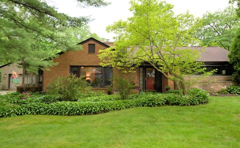 Photo of 1647 N 123rd St, Wauwatosa, WI 53226