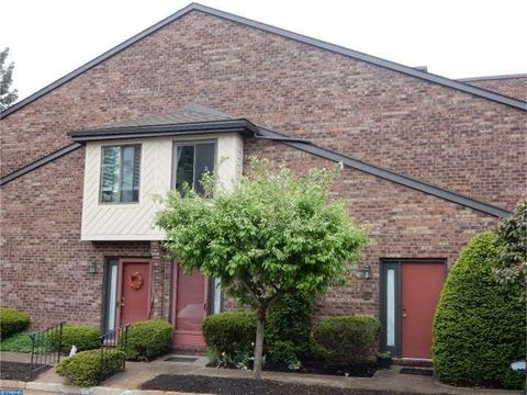 1306 Mountainview Dr, Chesterbrook, PA 19087