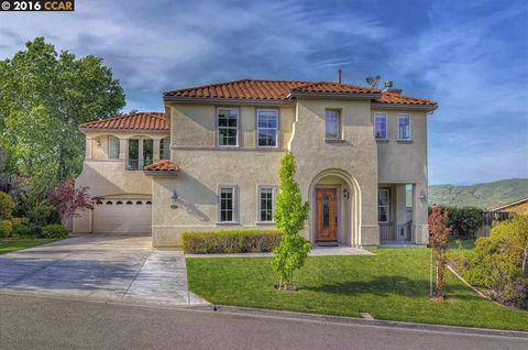 1023 Laurel Tree Dr, Concord, CA 94521