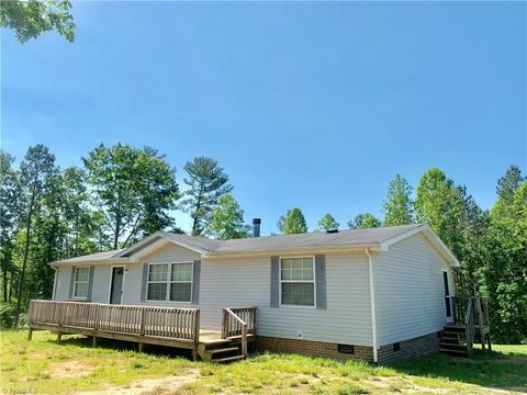 Photo of 1143 Shumate Mountain Rd, Hays, NC 28635